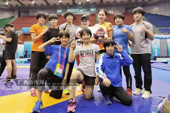二青会女子国际式摔跤决赛:广西队收获1金2银2铜