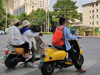 高清組圖:酷熱難耐 南寧市民開啟高溫避暑模式