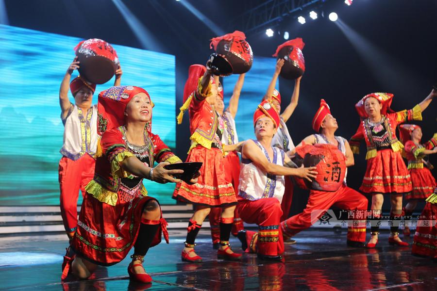 广西群众跳舞除夜赛正正在邕启幕 500多支队伍超万人参赛