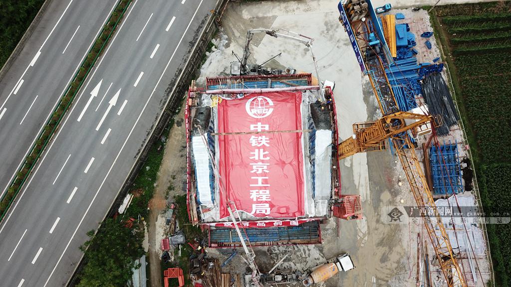 贵南高铁澄江双线特大桥预计将在2020年底竣工