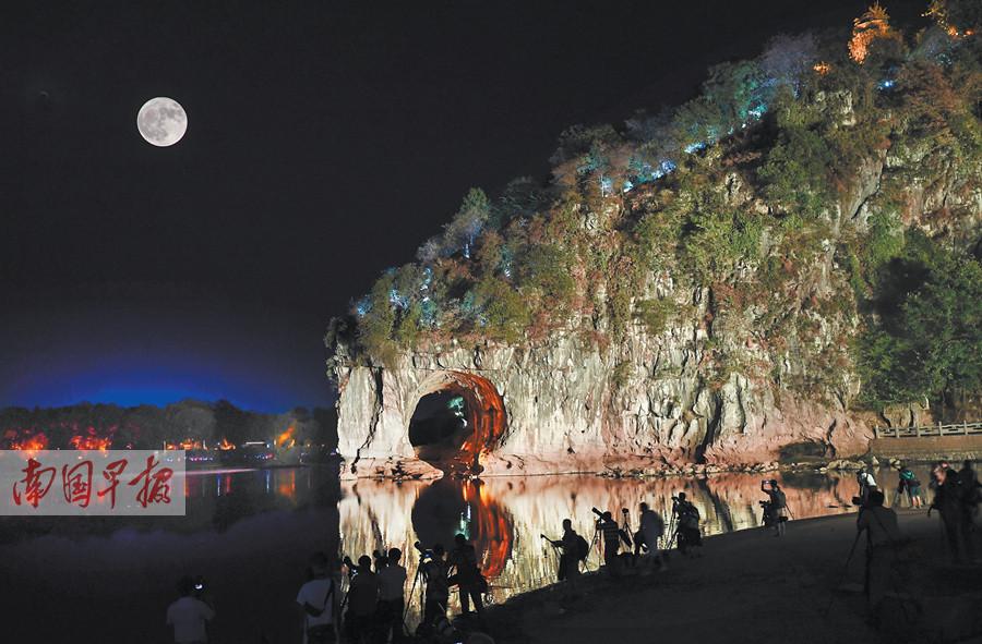 9月16日焦点图:广西各地喜迎国庆氛围浓