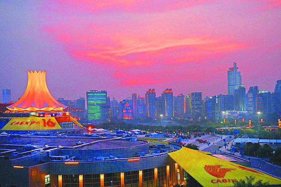 9月18日焦点图:南宁会展中心以新面貌迎盛会到来