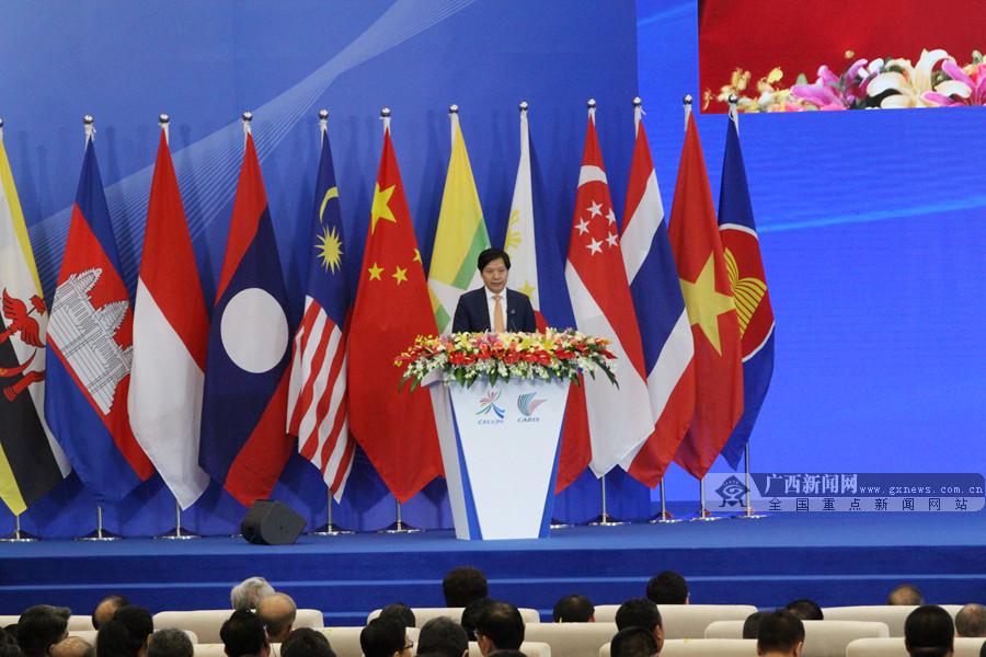 雷軍:廣西是中國-東盟合作的寶地 前途無量