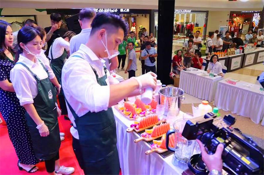 32名广西优秀咖啡饮品师上演巅峰对决 为祖国庆生
