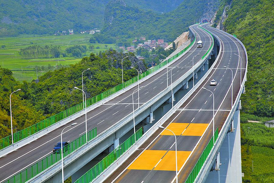 10月12日焦点图:广西入选首批交通强国建设试点