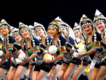 上海:云南哈尼族歌舞学问精彩亮相儿艺剧场