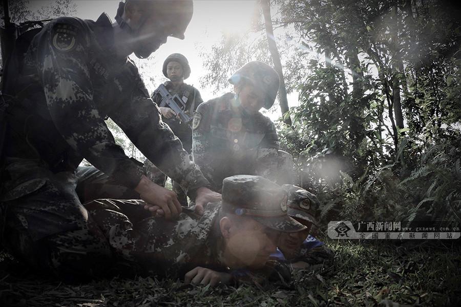 高清组图:武警北海支队开展实战化捕歼战斗演练