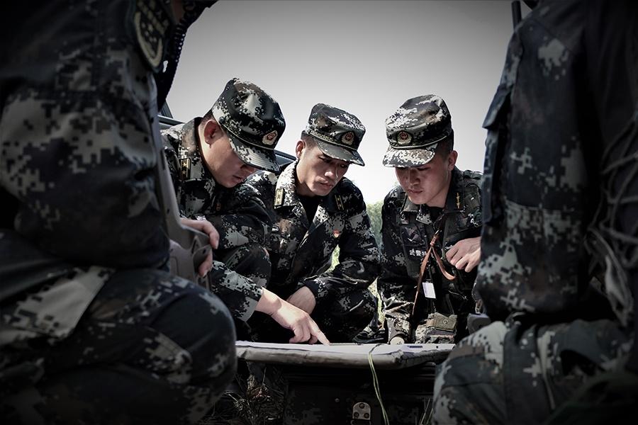 高清組圖:武警北海支隊開展實戰化捕殲戰斗演練