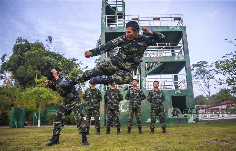 广西梧州:武警官兵开展大练兵活动