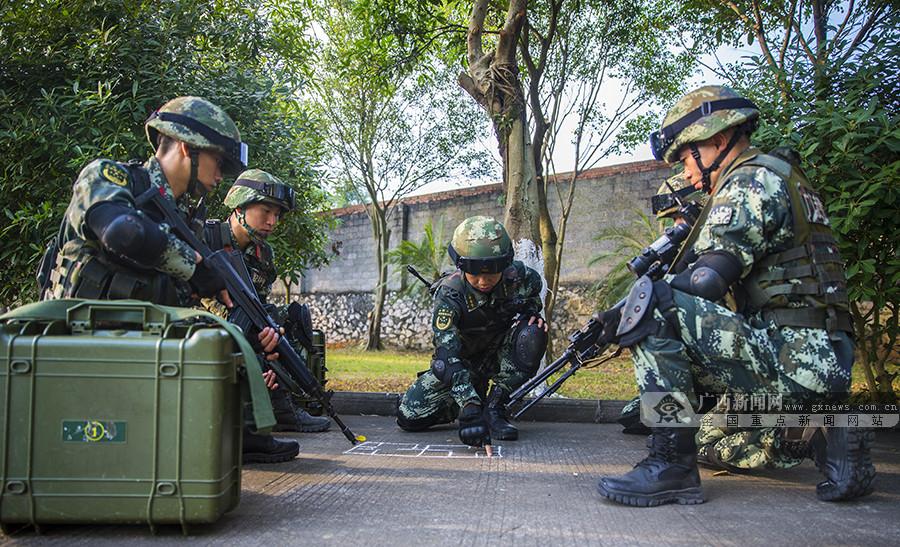 贵港:武警官兵开展反恐演练 提升实战能力