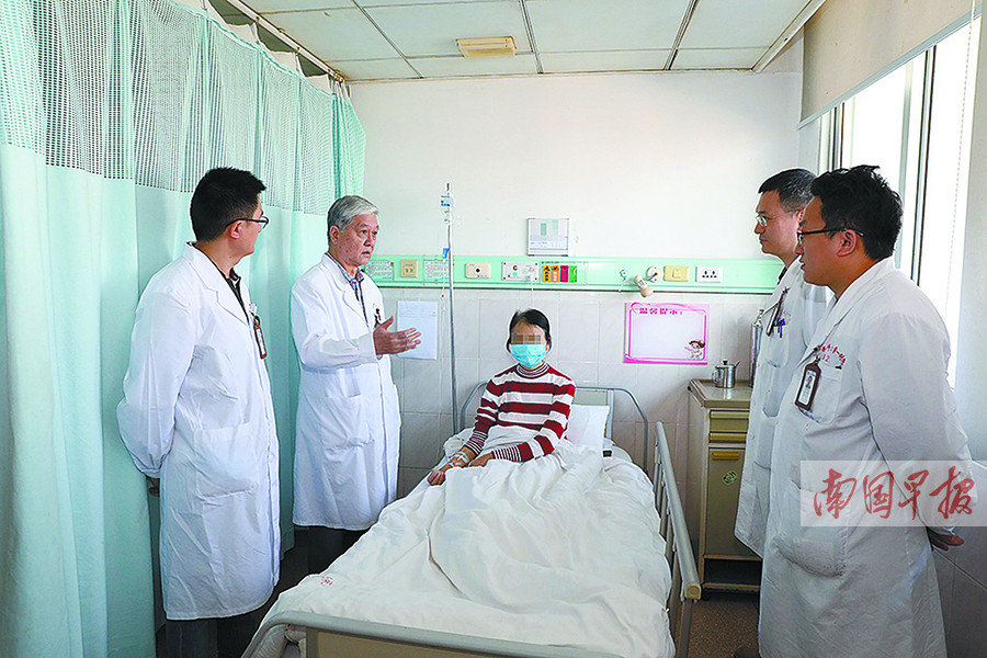 11月6日焦点图:感人!南宁一对90后姐妹割肝救母