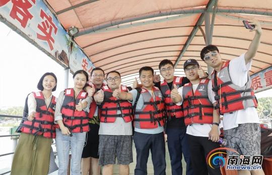"""网媒看海南 2019全国网媒记者体验天涯海角海上游项目 感受""""旅游+体育""""生动范例"""
