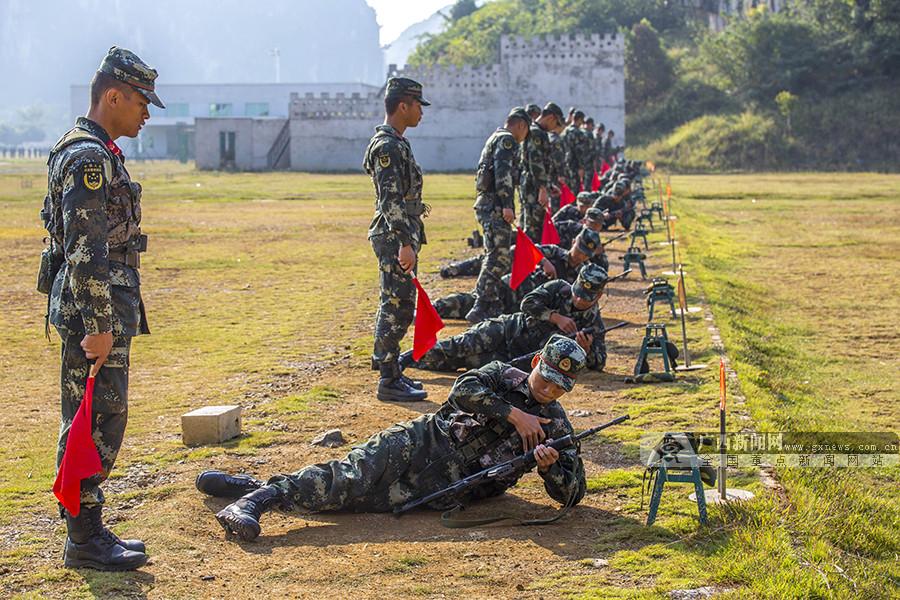 高清:把青春压进枪膛 武警新兵打响军旅第一枪
