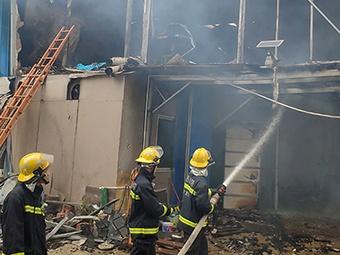11月20日焦点图£º南宁一工地起火 两人不幸身亡