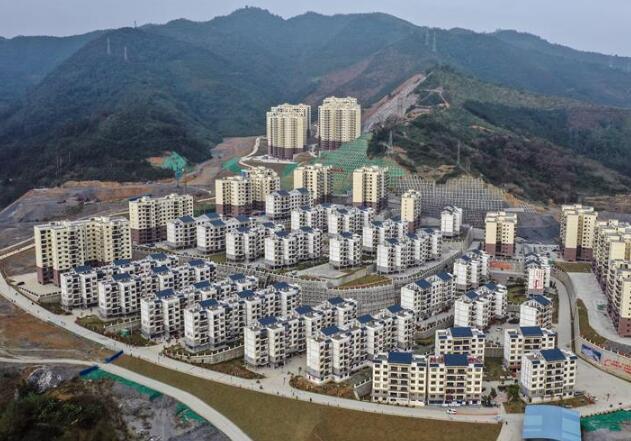 广西隆林:易地扶贫搬迁拔穷根
