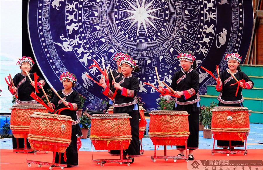 廣西巴馬:壽鄉歡歌迎新春(組圖)