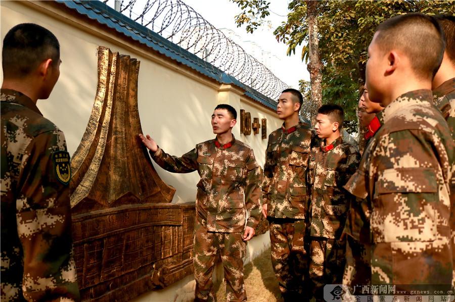 南宁:官兵庆元旦 笑声满军营(组图)