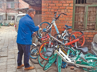 南宁共享单车屡遭未成年人破坏 律师:家长应赔偿
