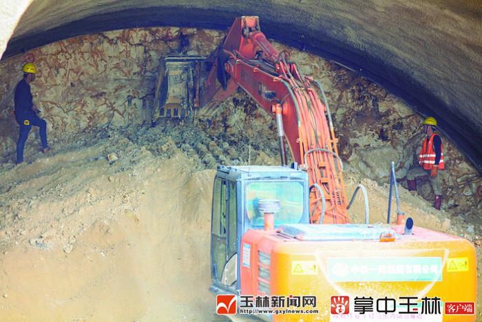 南玉高铁良睦隧道建设顺利 多个工作面同步施工