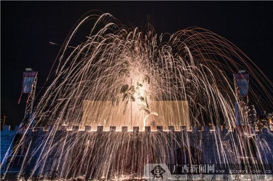 """美丽南方·青瓦房春节将""""绽放""""最美""""打铁花"""""""