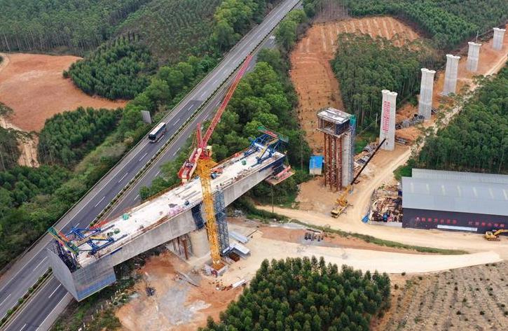 廣西南寧至崇左鐵路建設有序復工