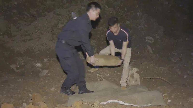 5月16日焦点图:广西一工地接连挖出6枚航空炸弹