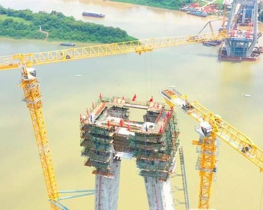 广西最大跨径斜拉桥平南相思洲特大桥主塔顺利封顶
