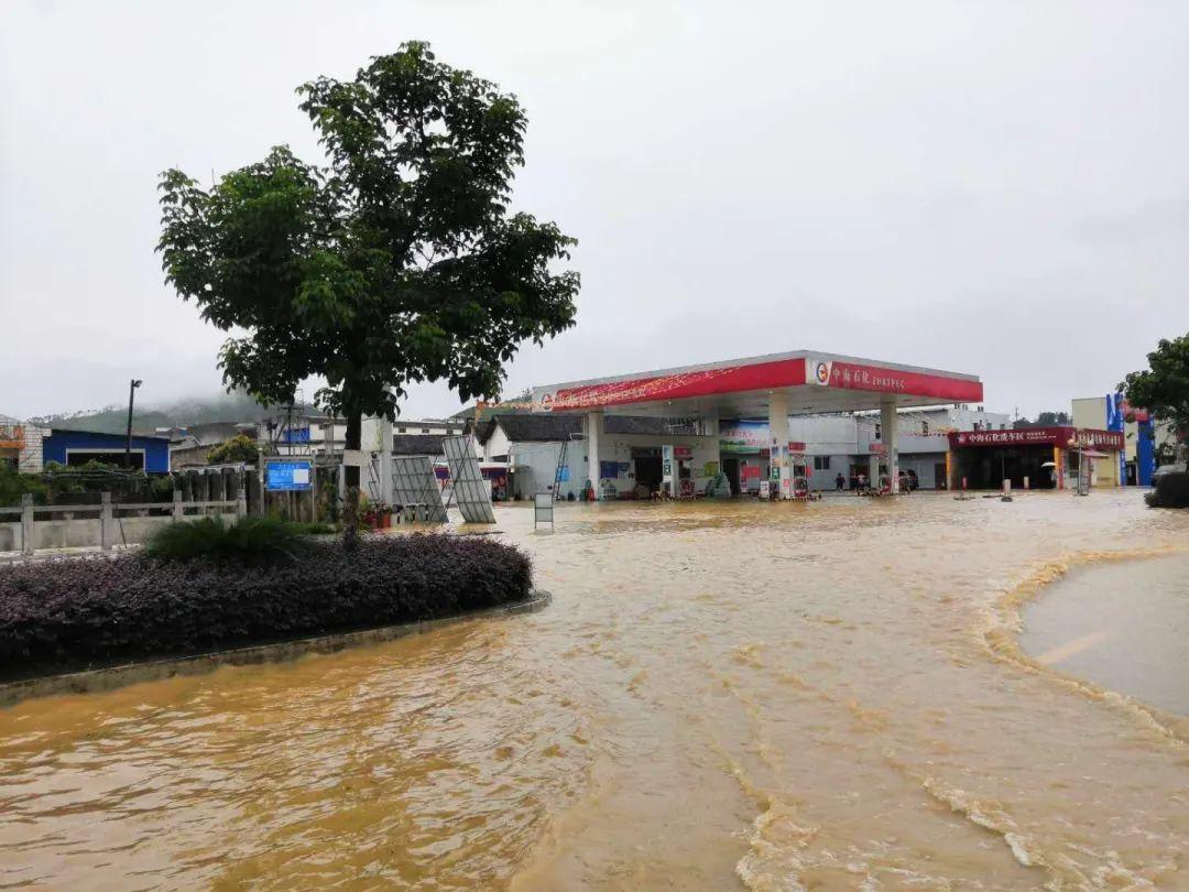 广西多地遭遇特大暴雨侵袭 今明两天才是降雨巅峰期