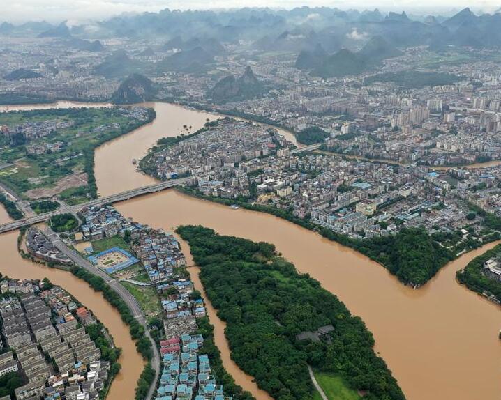 广西桂林:暴雨致漓江水位超警戒线