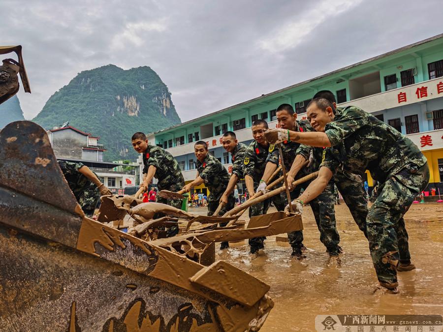 桂林:吹响灾后重建集结号(组图)