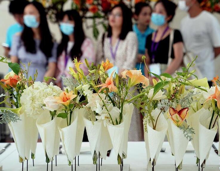 上海:共赏萱草花