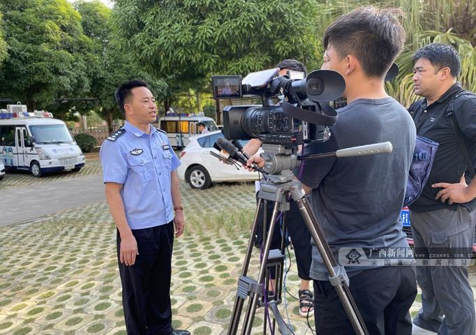 """化解基层矛盾 确保边境稳定――宁明县创新""""警务+五访""""工作模式纪实"""