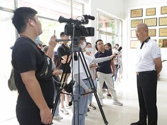 """南寧:軍民同心爭創全國雙擁模范城""""七連冠"""""""