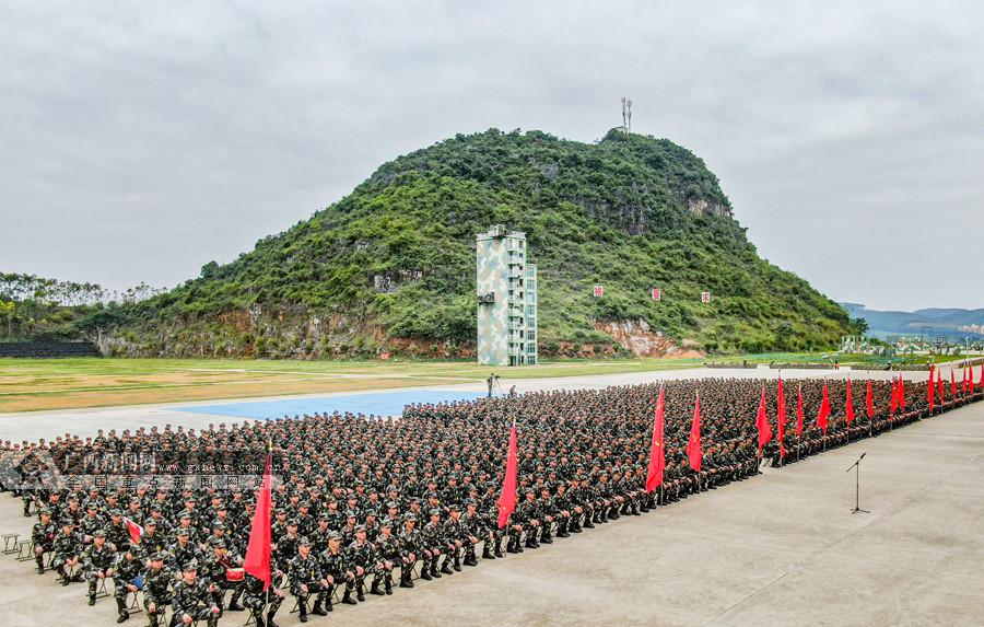 广西武警:号角催征 2000余名新兵正式开训