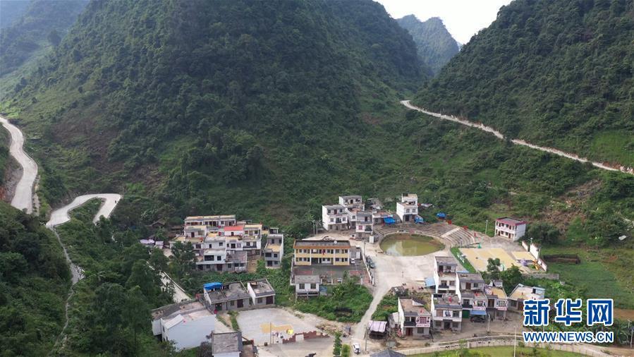 木棉花开红胜火――广西千里边境线脱贫纪实