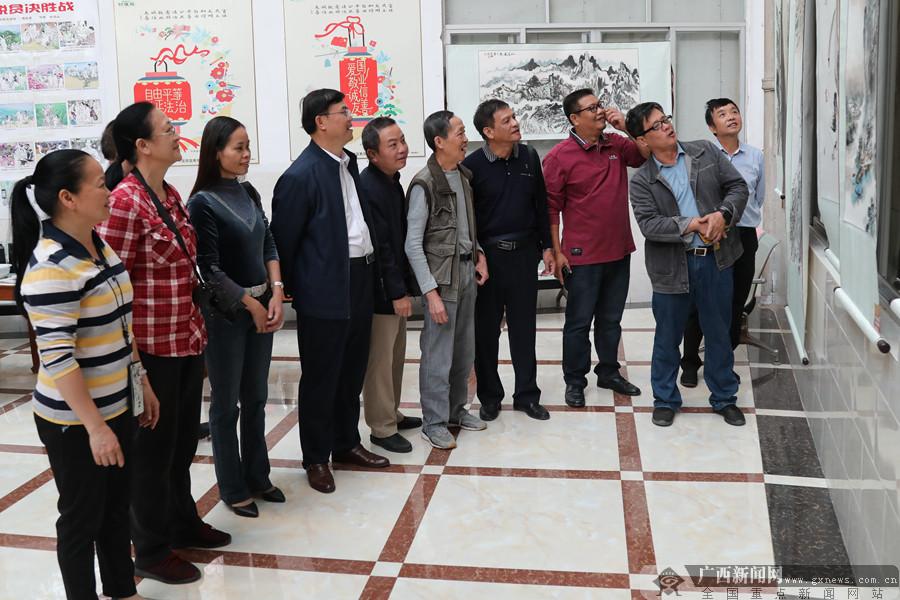南宁市邕宁区:脱贫攻坚美术书法摄影作品展开展