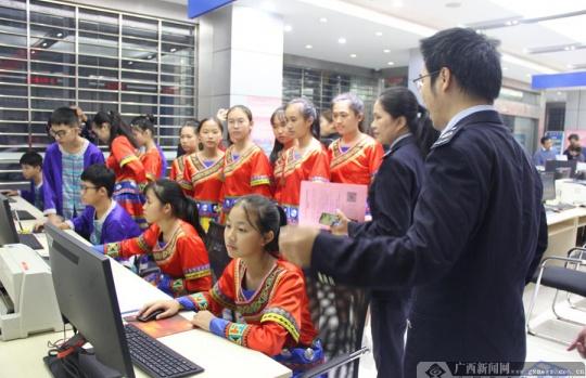大新县:民族团结进步创建融入税收工作各领域