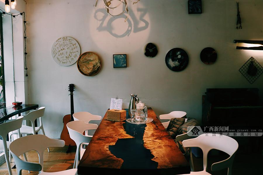 在午后的咖啡厅,享受惬意舒适的慵懒时光(组图)