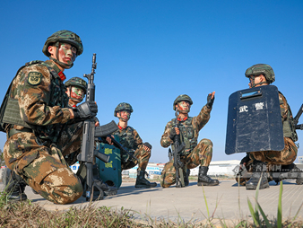 武警广西总队防城港支队:战术演练锤炼反恐尖兵