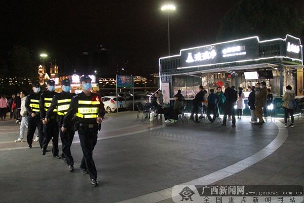 南宁市公安局特巡警大队加强社会面巡逻防控。南宁市公安局供图
