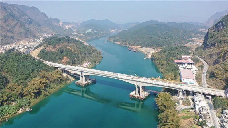 2021年3月14日焦点图:都巴高速预计今年7月通车