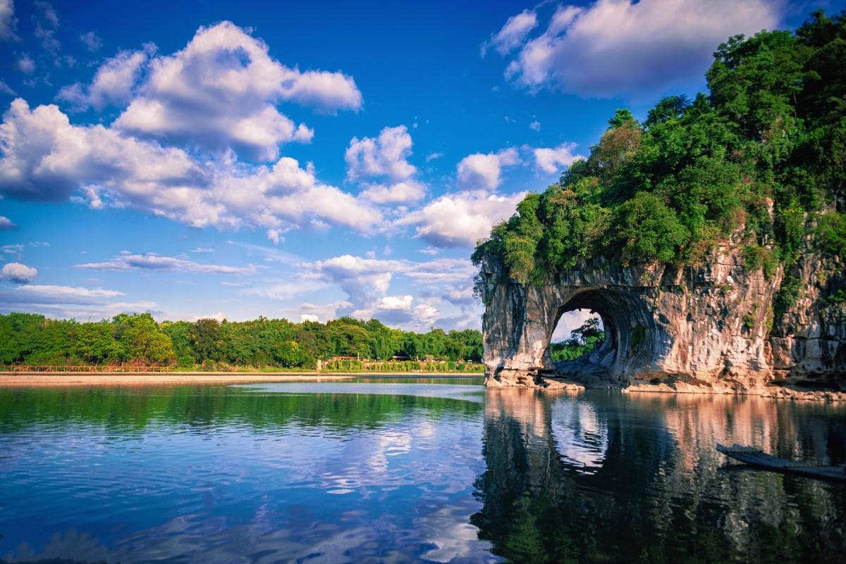 30秒看广西丨象鼻山:桂林的城徽标志