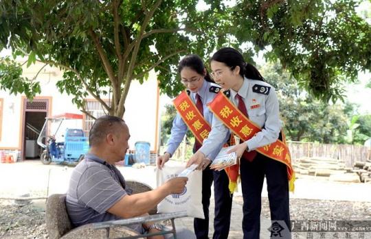 江州区税务局:问计问需 税收宣传活动多姿彩