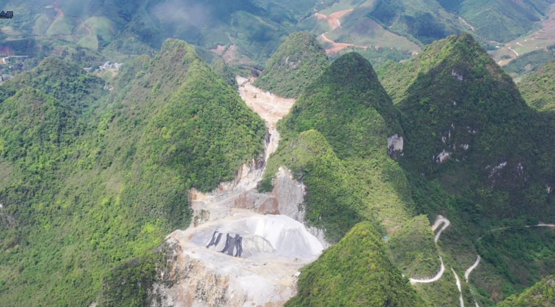 三级保护区内的良利采石场野蛮开采