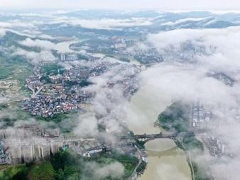 广西三江:侗乡雨后景色新