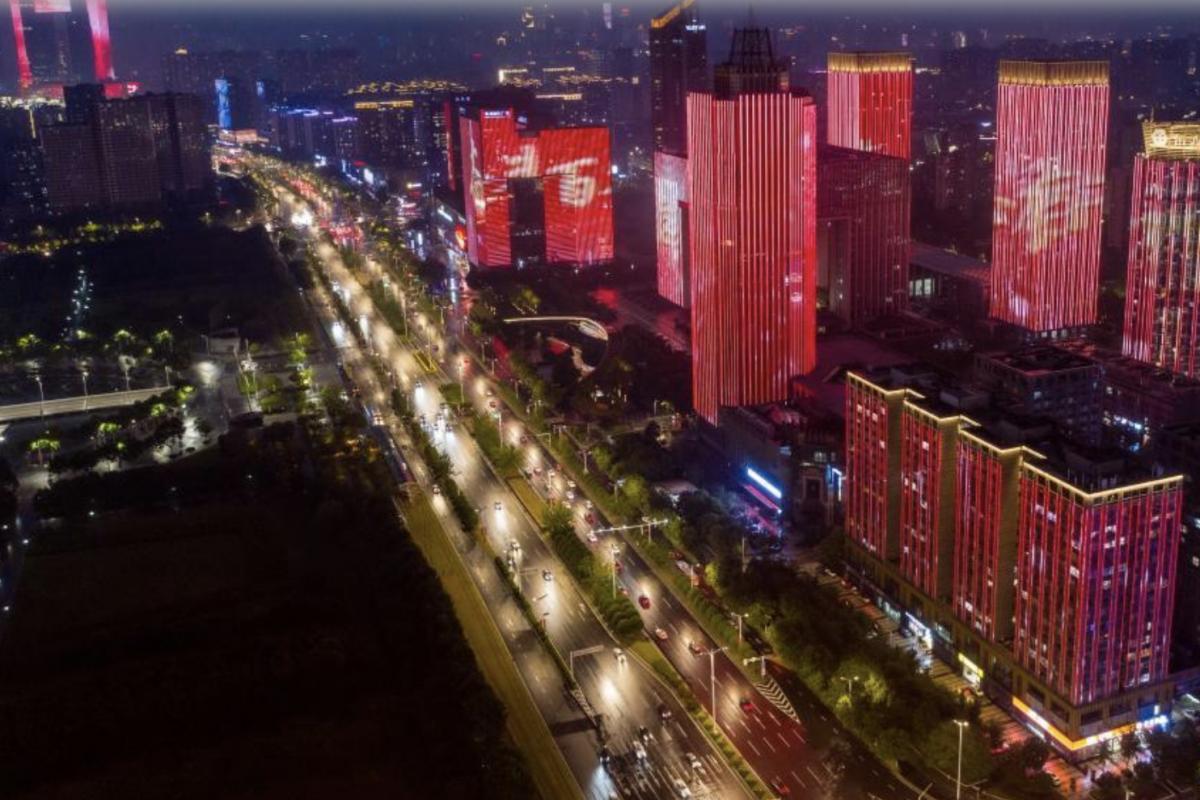 中国发展可期 海外侨胞更加从容自信