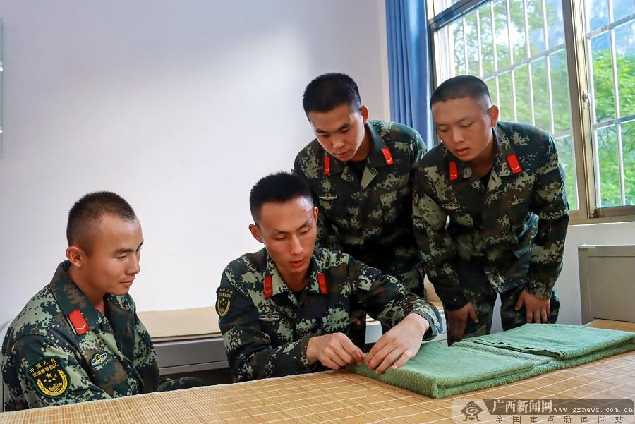 武警河池支队50余名新兵下连奔赴新岗位