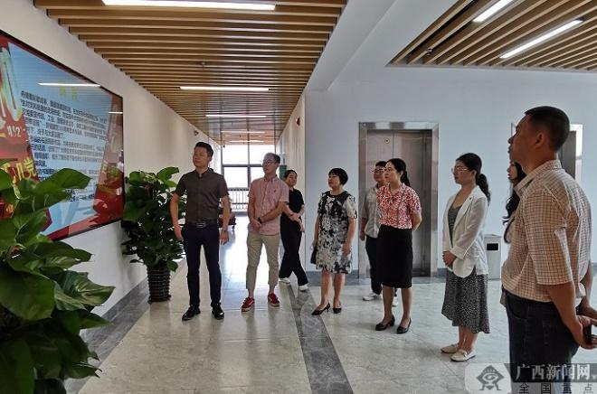 广西建院举行庆祝建党100周年艺术作品展