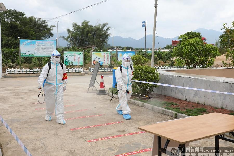 上林县举行新冠肺炎突发疫情应急处置演练