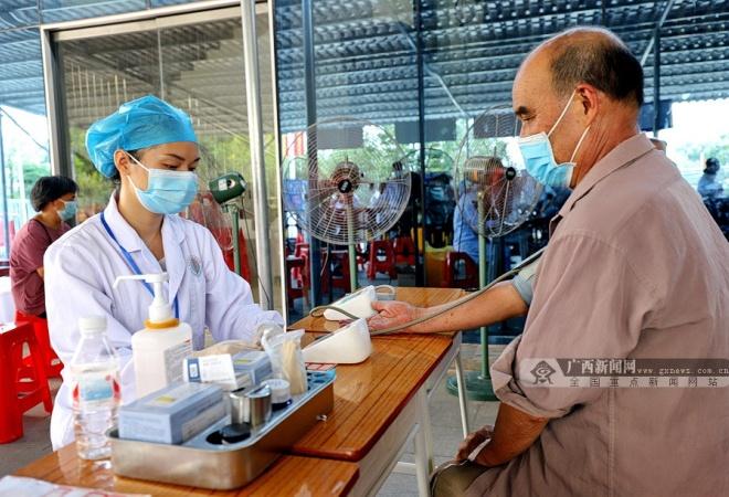 大化:温馨服务扎实推进新冠病毒疫苗接种